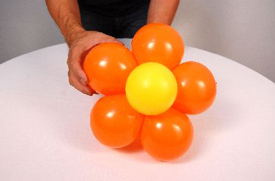 Como fazer Flor de 5 pétalas com bexigas