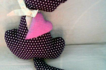 Como fazer Gatinho decorativo com tecido – Passo a passo