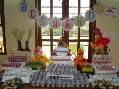 Decoração Festa Infantil Cocoricó – Bernardo 2 anos