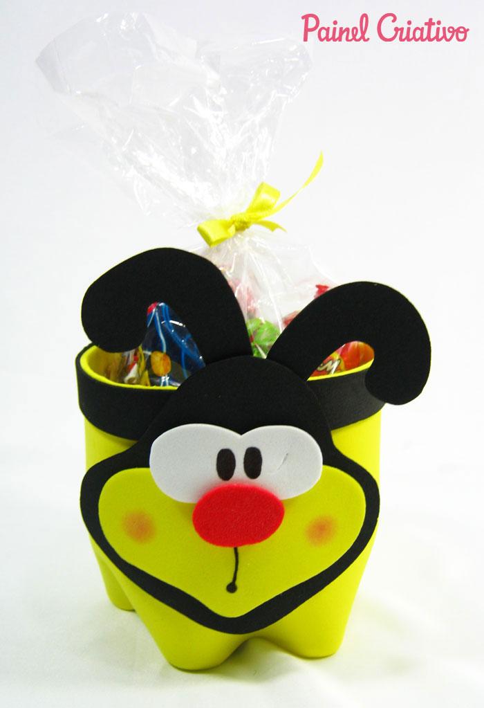 passo-a-passo-lembrancinha-abelhinha-eva-porta-guloseimas-reciclagem-garrafa-pet-aniversario-dia-das-criancas-escola-8