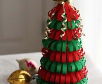Como fazer uma árvore de natal com fitas de cetim