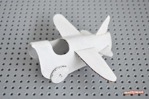 aviao feito com rolo de papel higienico 7