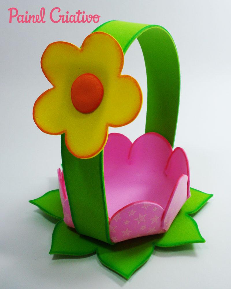 passo-a-passo-cestinha-formato-flor-lembrancinha-enfeite-mesa-festa-aniversario-infantil-menina-eva-porta-guloseimas-dia-das-maes-5