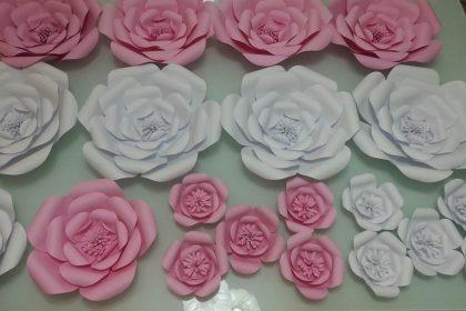 Como fazer flores gigantes de papel para compor sua decoração