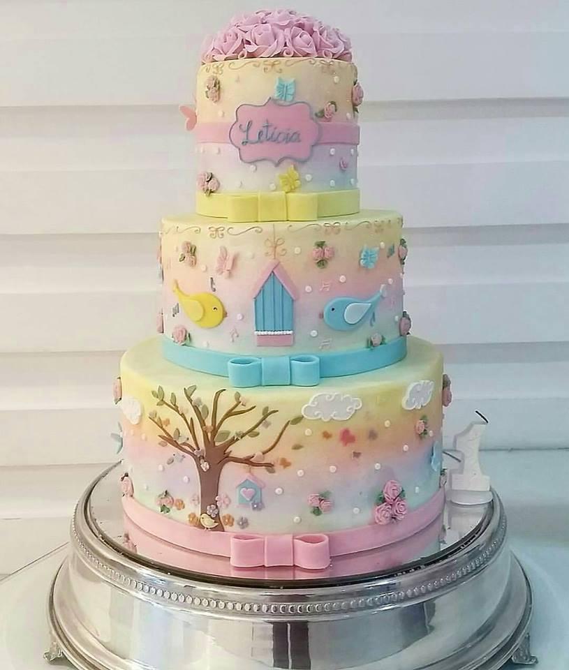 fotos de bolo tema jardim : Mais de 20 ideias de bolos com o tema Jardim Encantado ...