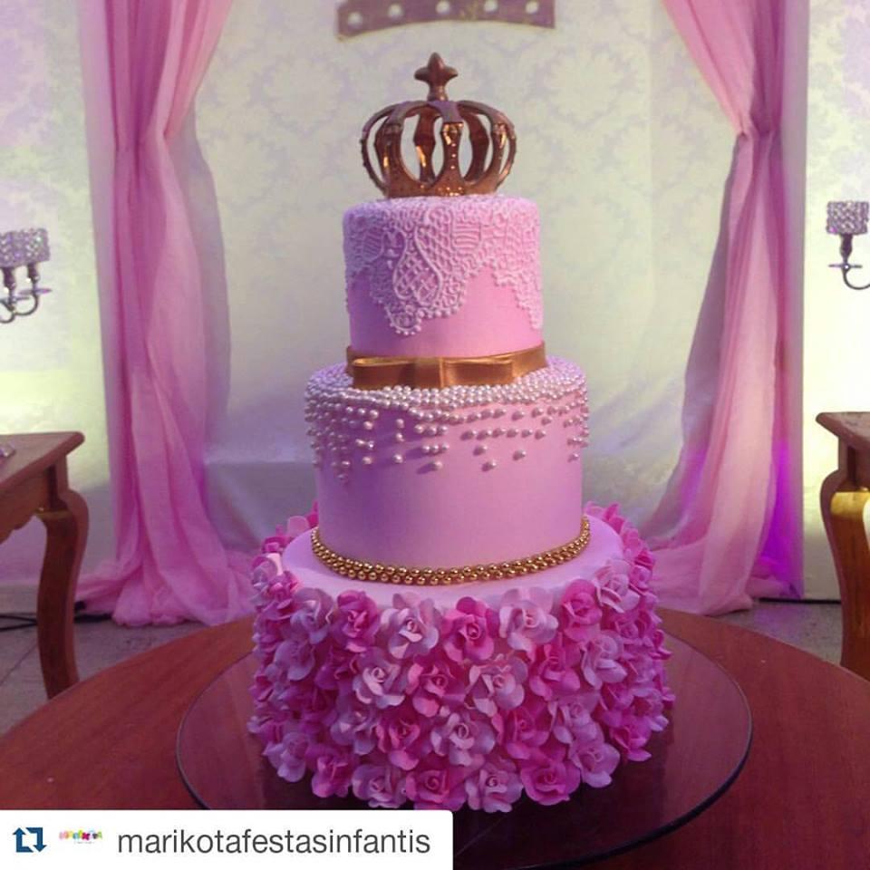 Mais de 20 ideias de bolos com o tema Princesa Realeza u2013 Inspire sua Festa -> Decoração De Aniversario Princesa Realeza