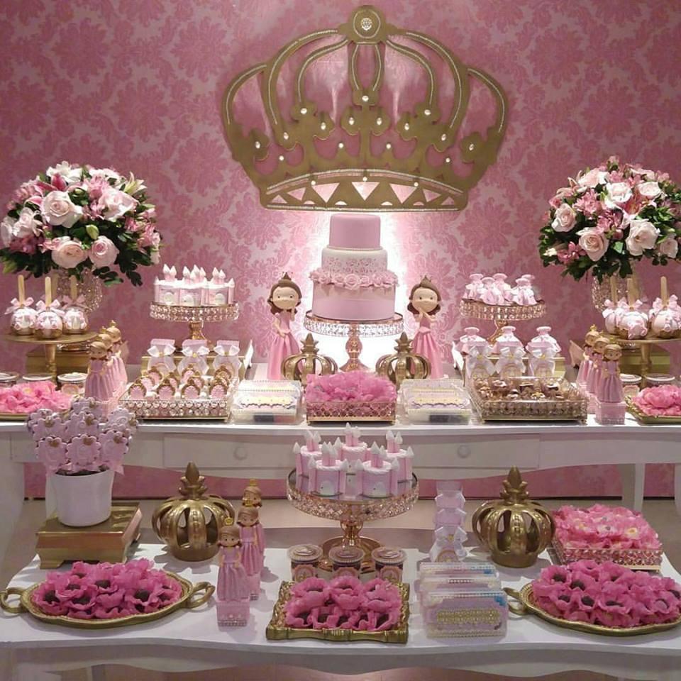 Decora o princesa realeza mais de 50 ideias inspire for Modelos de mesas cuadradas