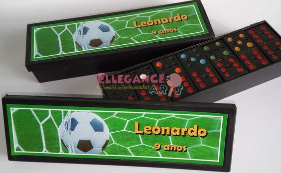 78ca96c0f3 Fonte  https   www.elo7.com.br domino-personalizado-futebol  dp 820AE0 pp 37 pn 4